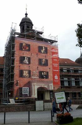 Eingang zum Eutiner Schloss, derzeit Renovierungsarbeiten