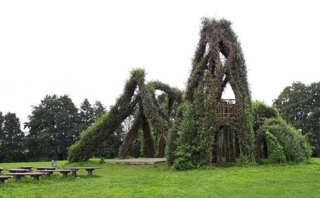 Skulpturen aus Weide in Boizenburg