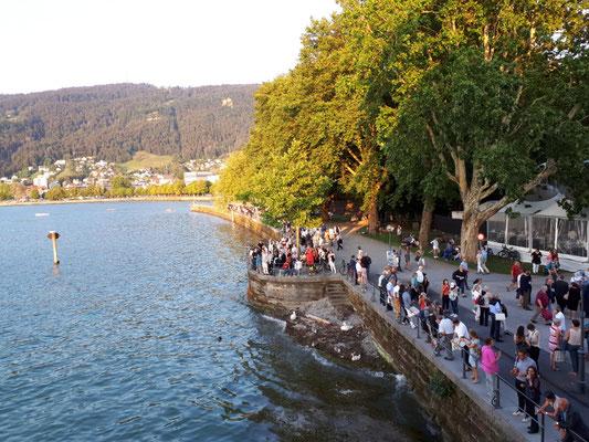 Blick von der Seebühne auf die Promenade