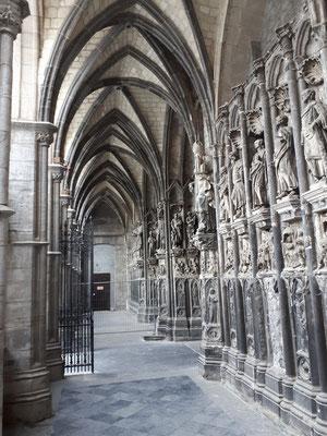Reich verzierter Eingang zur Kathedrale