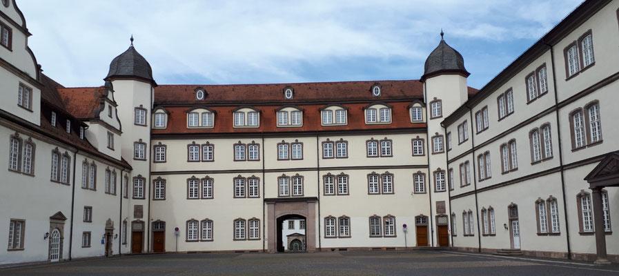 Ganz schön großes Schloss