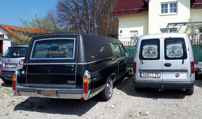 Ist dieser alte Leichenwagen ein Zeichen?