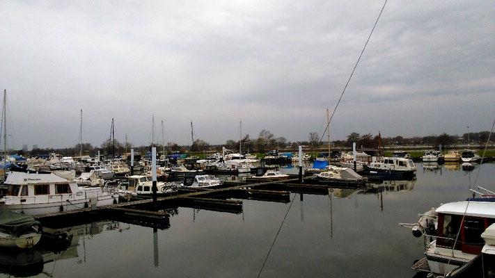 Blick auf den Jachthafen