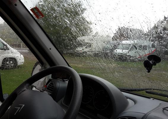 Ein kurzer und heftiger Regen