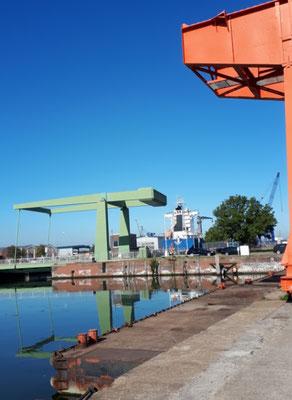 Hier wird noch auf einer Werft gearbeitet