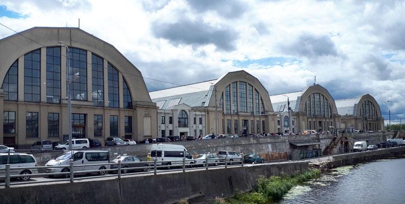 Rifaer Zentralmarkt, die Hallen