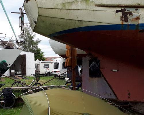 Rustikaler Campingplatz/Stellplatz beim Seesportclub