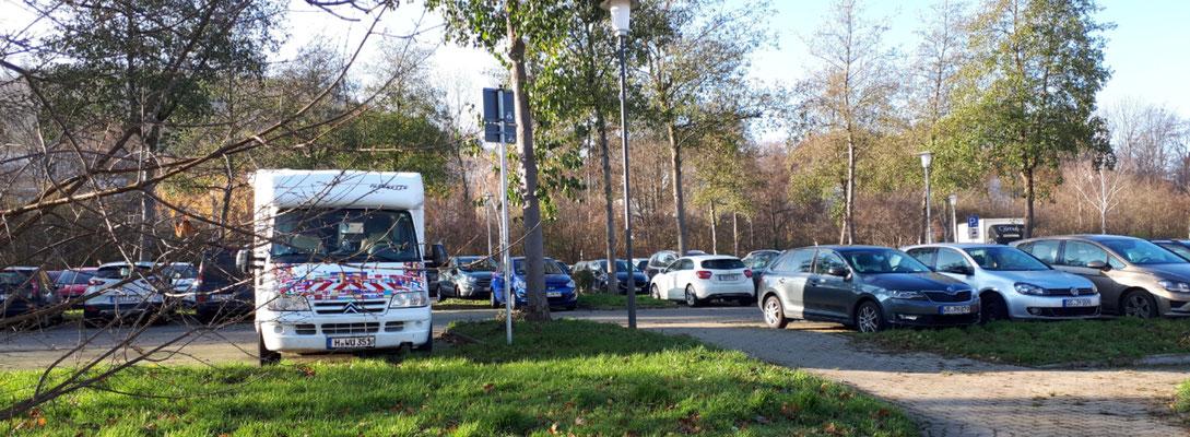 "Parkplatz ""Füllekuhle"", wegen Corona ausreichend Platz"