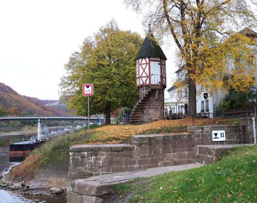 Pegelhäuschen an der Weser