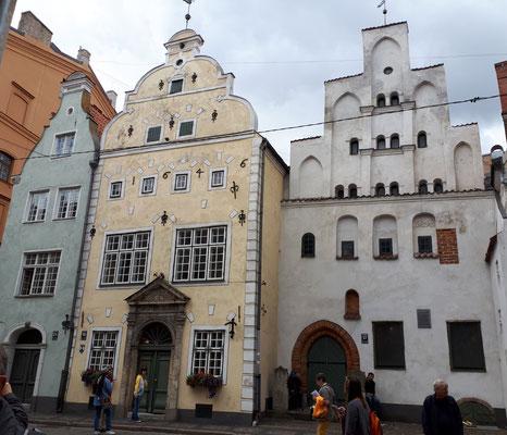 Die Drei Brüder, ältester Wohnhauskomplex