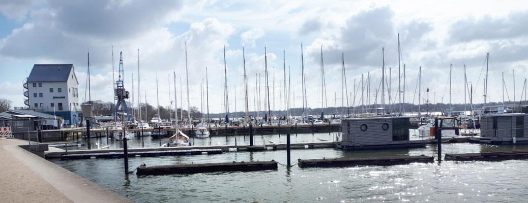 Blick auf den Stadthafen