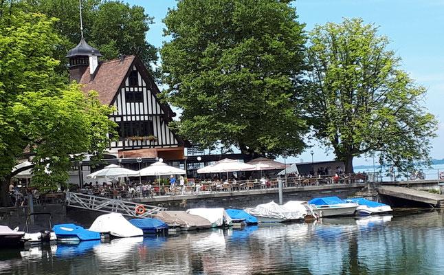 Beliebtes Restaurant an der Seepromenade