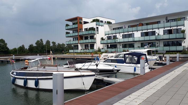 Schöne Penthouse-Wohnungen am Kanal