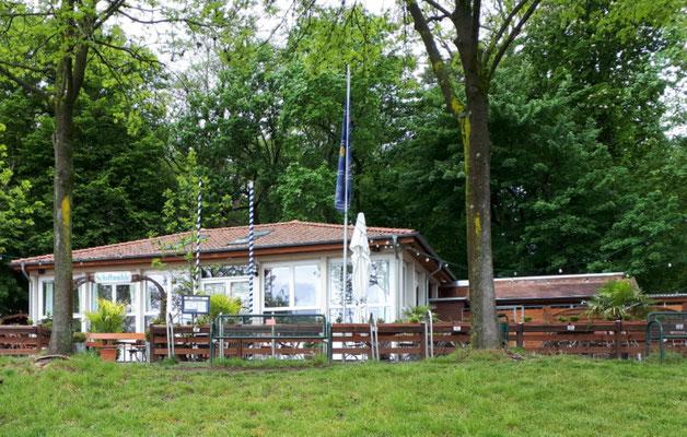 noch geschlossenes Restaurant an der Weser