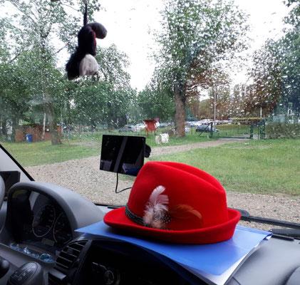 """Der """"Rote"""" gegen den Regen liegt schon bereit"""