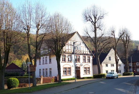 imposantes Gebäude in Pegestorf