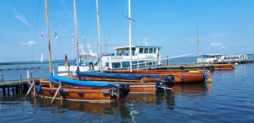 """Die """"Auswandererboote"""" zur Insel Wilhelmstein"""