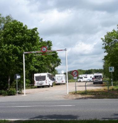 da wollte wir nicht hin, eigentlich nur ein staubiger Parkplatz ohne Infrastruktut