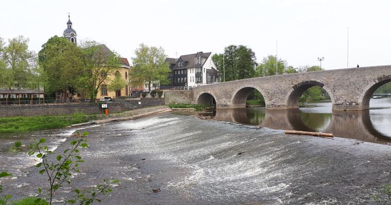 Die alte Lahnbrücke