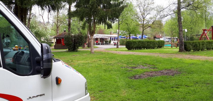 der Biergarten auf dem Campingplatz