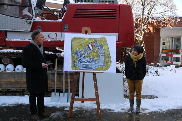 Remo Bossert mit Sarah Gysin, welche u.a. auch das Badi-Dorffescht-Logo kreierte. Hier die Fasnachts-Plakette von 2017 welche ebenfalls aus der Feder von Sarah entstand.