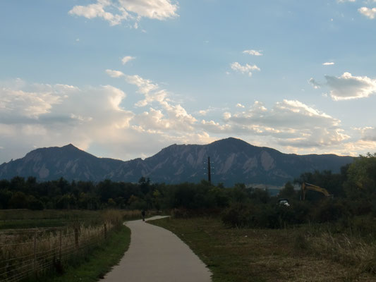 コロラド州ボールダーのシンボル「フラットアイアン」(山)