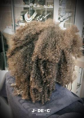 Soin Lissant réalisable sur cheveux crépus (avant) - J.DE.C ®