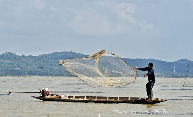 Fishermen at Songkhla Lake