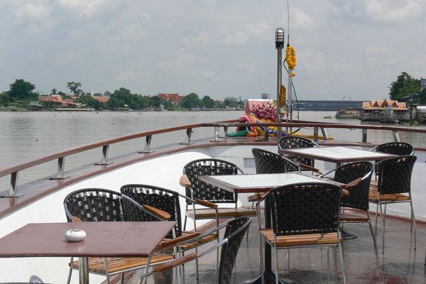 Cruise from Bangkok to Ayutthaya