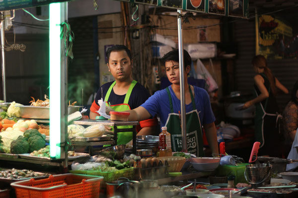 Street Food can be found at ant day or night time in Bangkok