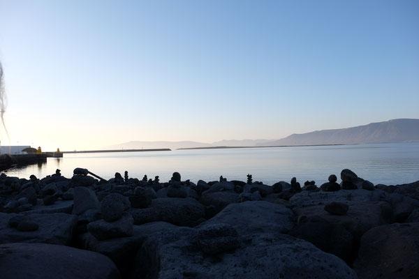 Hafen von Reykjavik im Sonnenuntergang