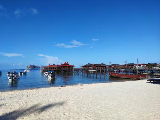 Strand auf Mabul Island, Sabah, Borneo, Malaysia