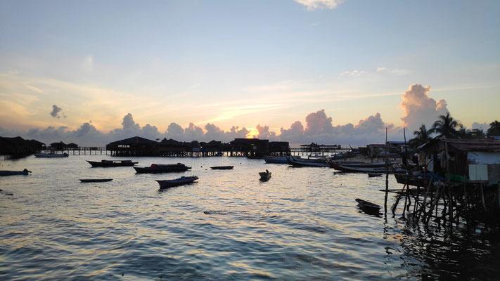 Sonnenaufgang auf Mabul Island, Sabah, Borneo, Malaysia
