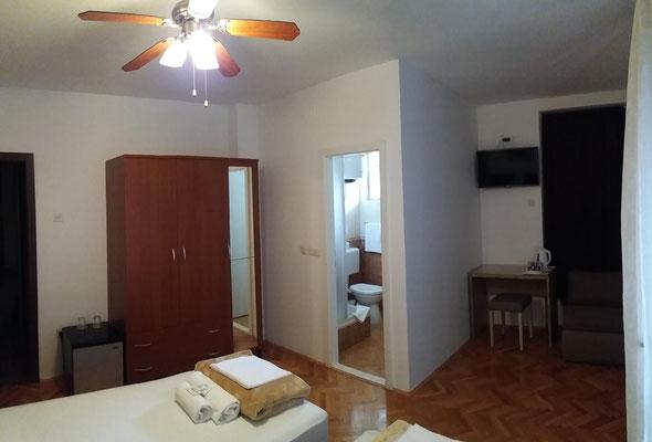 Zimmer 12