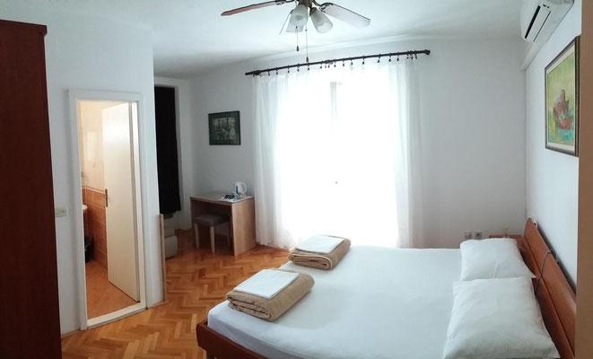 Drei Bett Zimmer Makarska