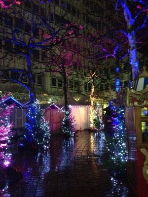 Bogenhauser Weihnachtszauberwald: Glühweinstand und Ausleuchtung des ganzen Marktes (2015)