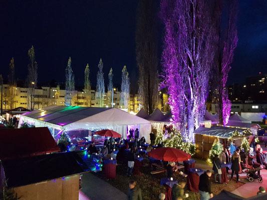 Bogenhauser Weihnachtszauberwald: Glühweinstand und Ausleuchtung des ganzen Marktes (2017)