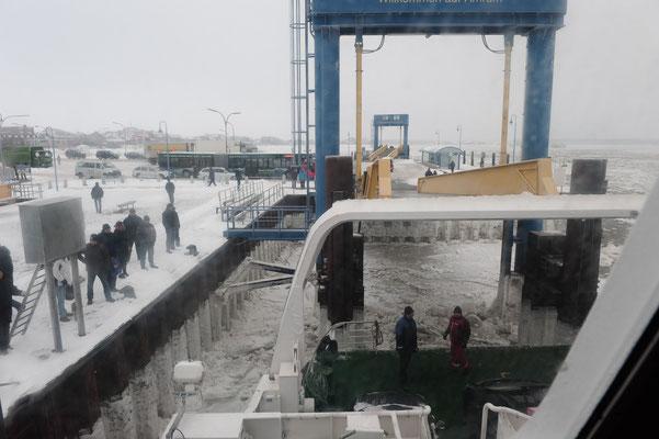 Eisgang im Hafen