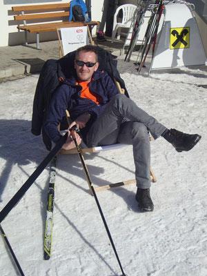 ... und da gibt´s die Auflösung - übrigens: die Ski sind nur Dekoration!