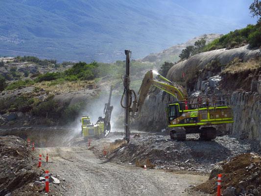 Die Carretera Austral verbindet das chilenische Patagonien von Norden nach Süden. Erst 1976 wurde mit dem Bau begonnen. Seitdem wird kontinuierlich an der Erschließung gearbeitet. Ungefähr die Hälfte ist mittlerweile fertig gestellt. Der Rest ist Schotter