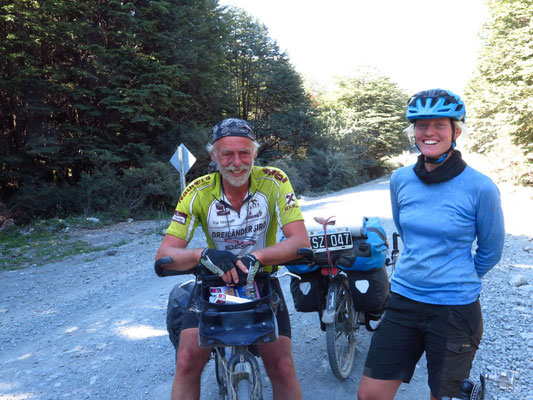 """Nettes Wiedersehen mit den """"Liegebummlern"""" Daniela und Stephan aus München. Vor einem Jahr sind wir uns erstmals in Neuseeland begegnet. Seitdem sind sie u.a. in Australien, USA und Südamerika mit ihren Liegefahrrädern unterwegs."""