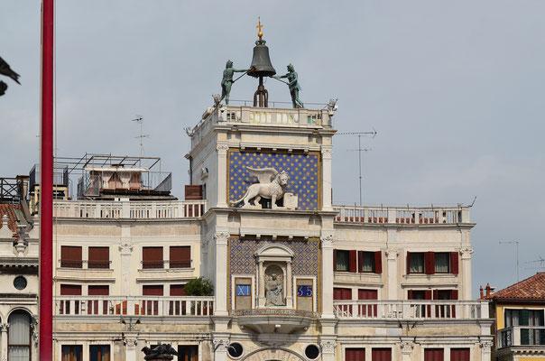 Der Uhrturm von San Marco
