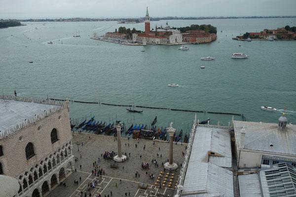 Blick aus dem Campanile von San Marco