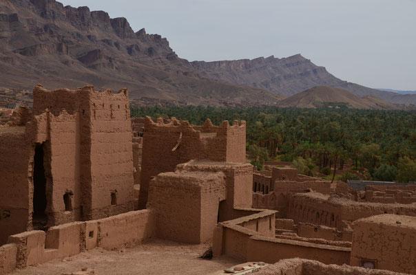 Die Kasbah Tamnougalte ist schon ziemlich verfallen, wird aber noch von ca. 20 Familien bewohnt.
