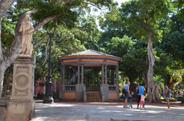 Der für uns schönste Platz (Plaza Principe Asturia), ganz in unserer Nähe