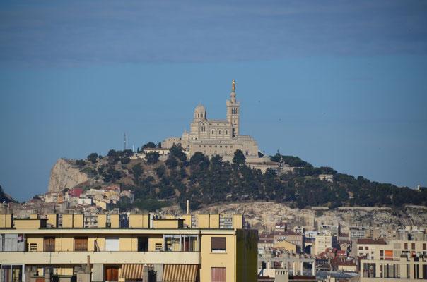 Blick auf Notre Dame De La Garde