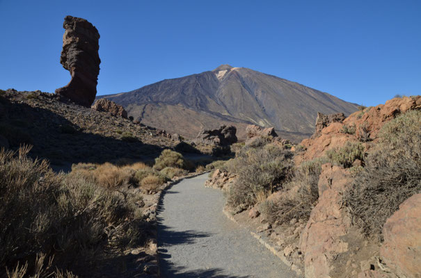 neben dem Teide sicher einer der meistfotografierten Felsen in der Caldera,  die Roques de Garcia