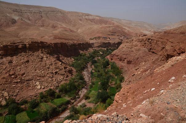 auf dem Weg nach Marrakesch müssen wir über den Hohen Atlas