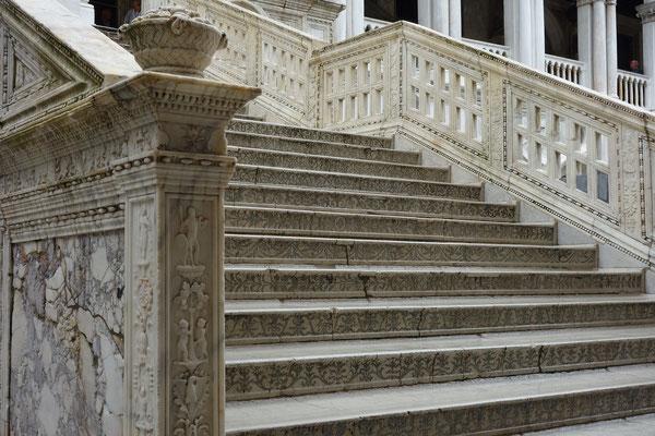 Marmortreppe im Dogenpalast
