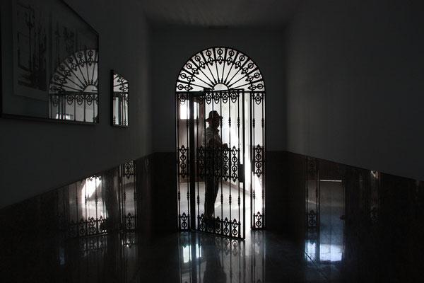 Die nach außen oft etwas abweisend wirkenden spanischen Häuser bieten im Inneren so manche Überraschung.
